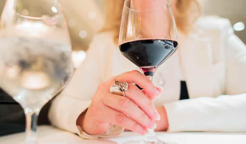 Лечение женского алкоголизма в Елгозино анонимно